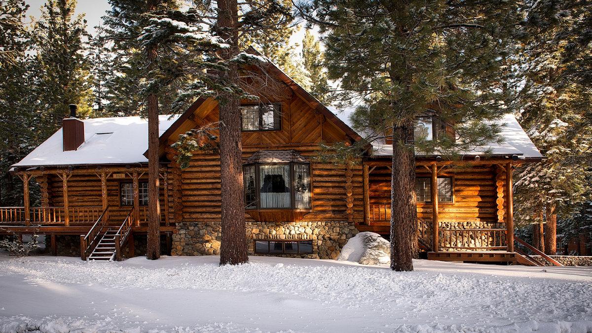 Деревянные дома ручной рубки купить недорого